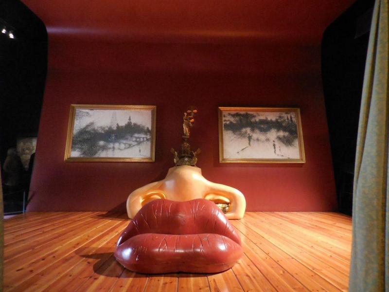 Dali Theatre Museum Figueres (Mae West room)
