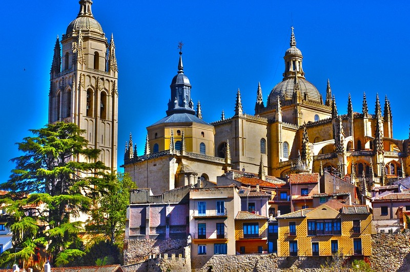 Spain travel guide Castile and Leon Segovia cathedral