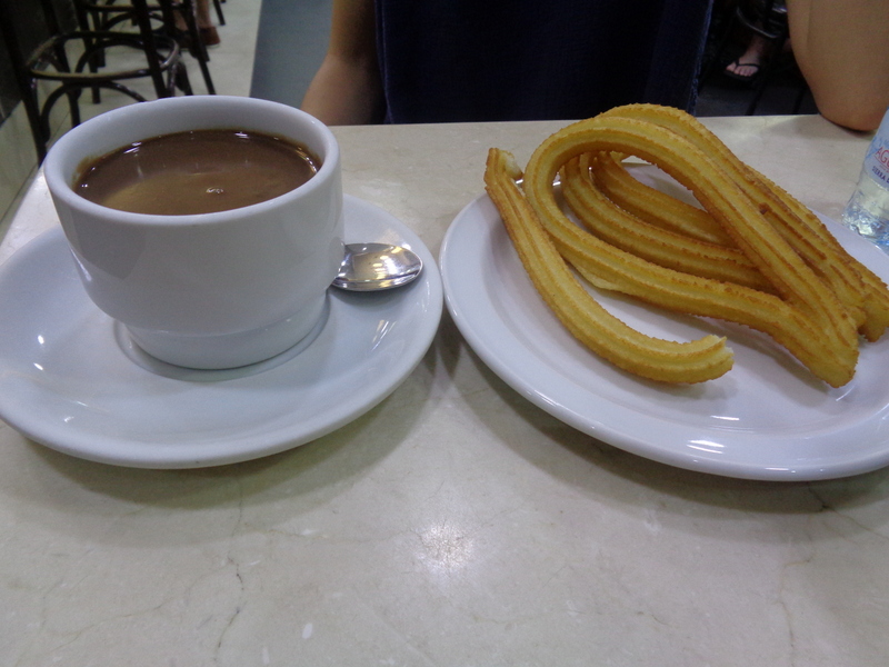 Spain travel guide community of Madrid-Chocolate con churros en Churrería 1902