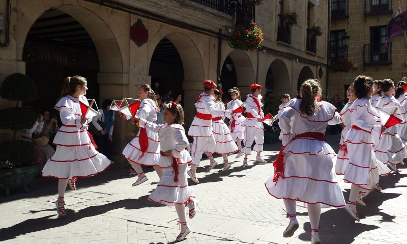 La Rioja Spain dancers-festival-laguardia