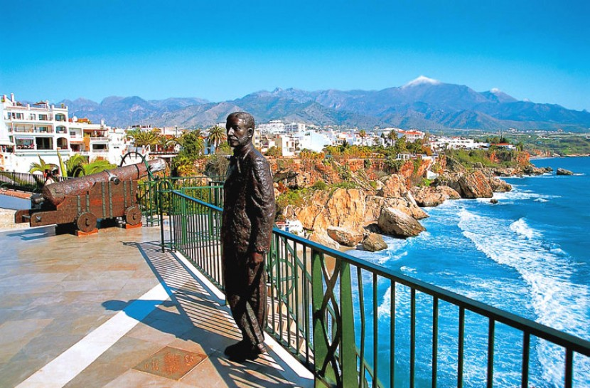 Nerja Balcon de Europe and views