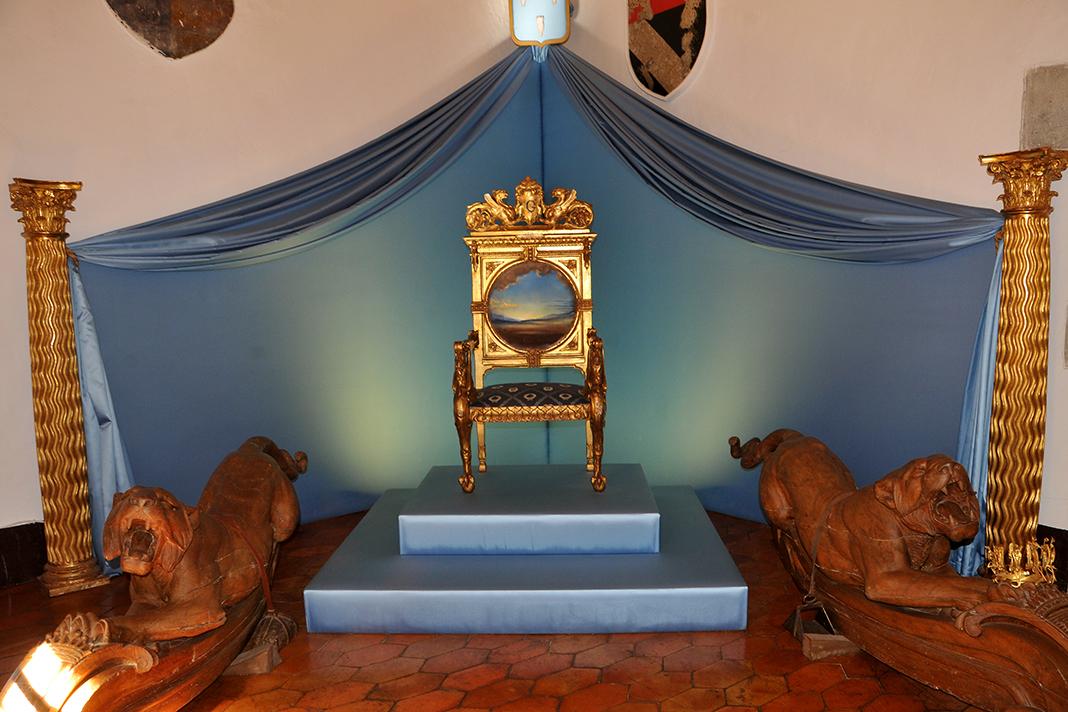 Dali Triangle-Gala's Throne in Pubol Castle Throne Room