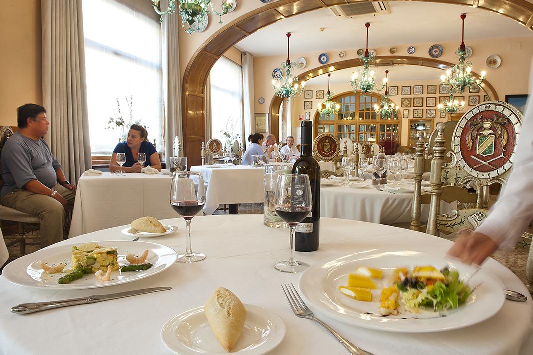 Dali Triangle Hotel Duran Restaurant