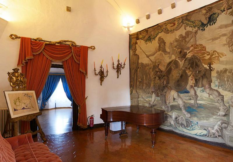 Dali Triangle Pubol Castle interior