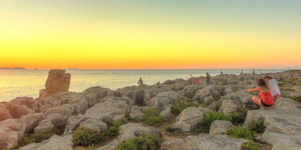 https://travelinspires.org/wp-content/uploads/2017/09/Peniche-sunset-silver-Coast-Portugal-1280x640.jpg