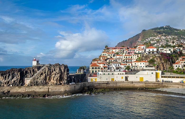 Madeira Camara de Lobos old town harbour-1