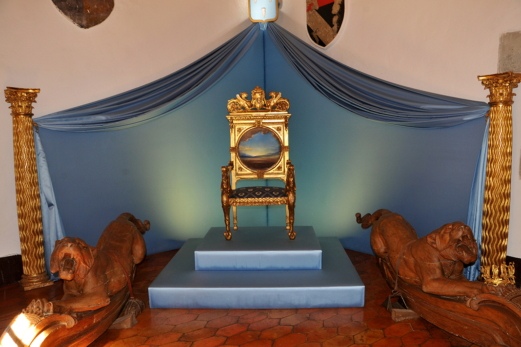 Dali Triangle-Gala's Throne in Pubol Castle Throne Room