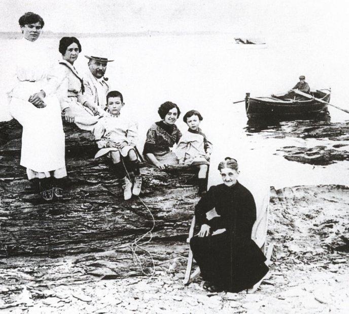 Dalí family 1910
