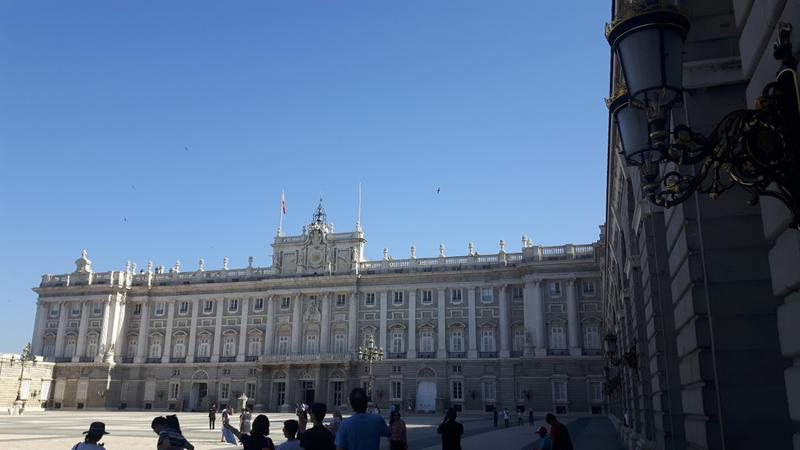 Madrid travel guide-