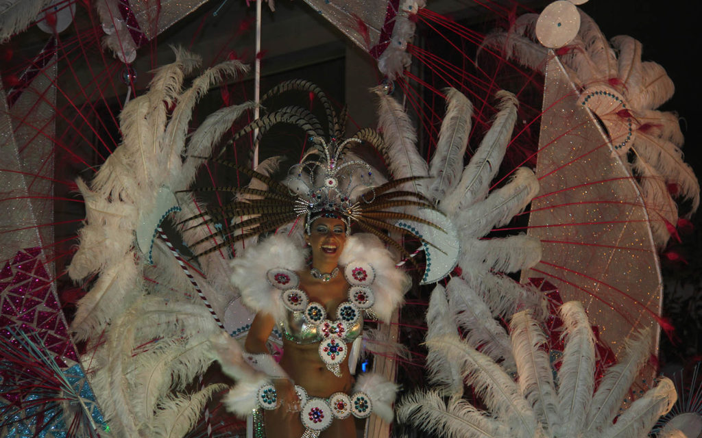 https://travelinspires.org/wp-content/uploads/2018/12/Spain-top-carnivals-1024x640.jpg