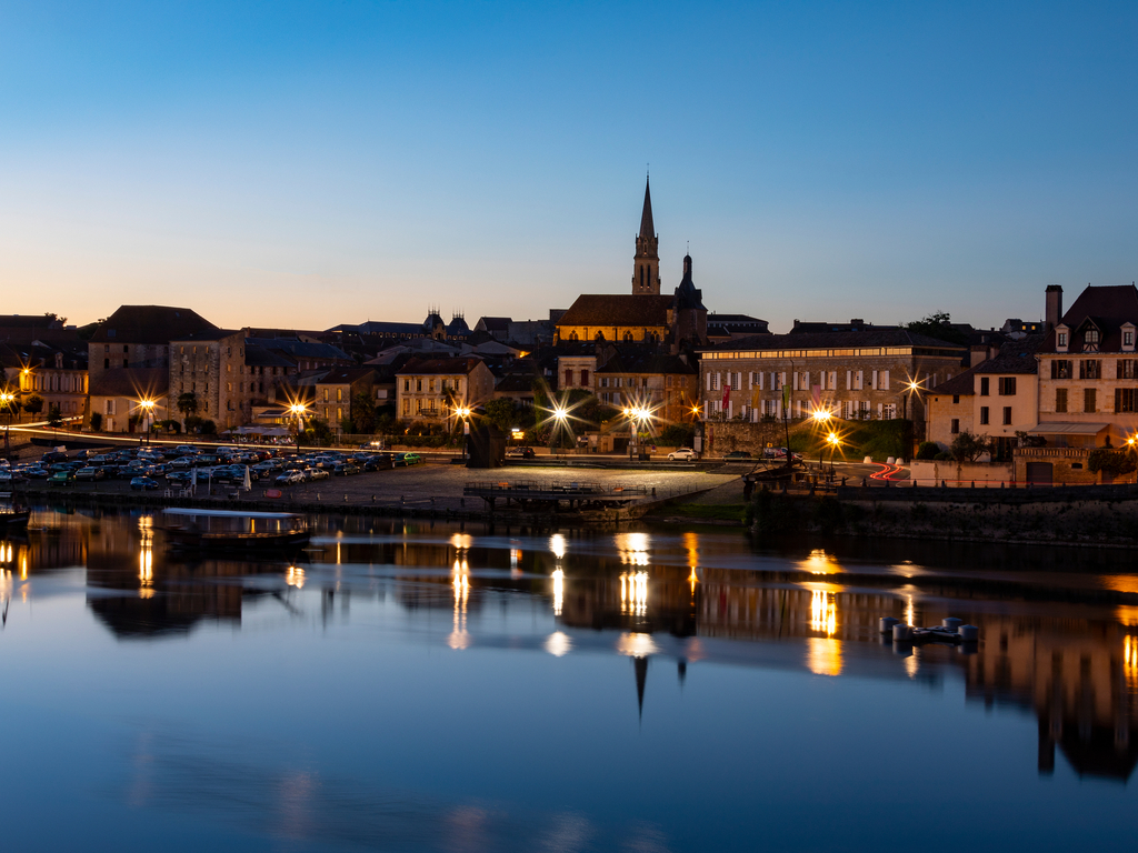 https://travelinspires.org/wp-content/uploads/2019/02/Bergerac-France-travel-guide.jpg