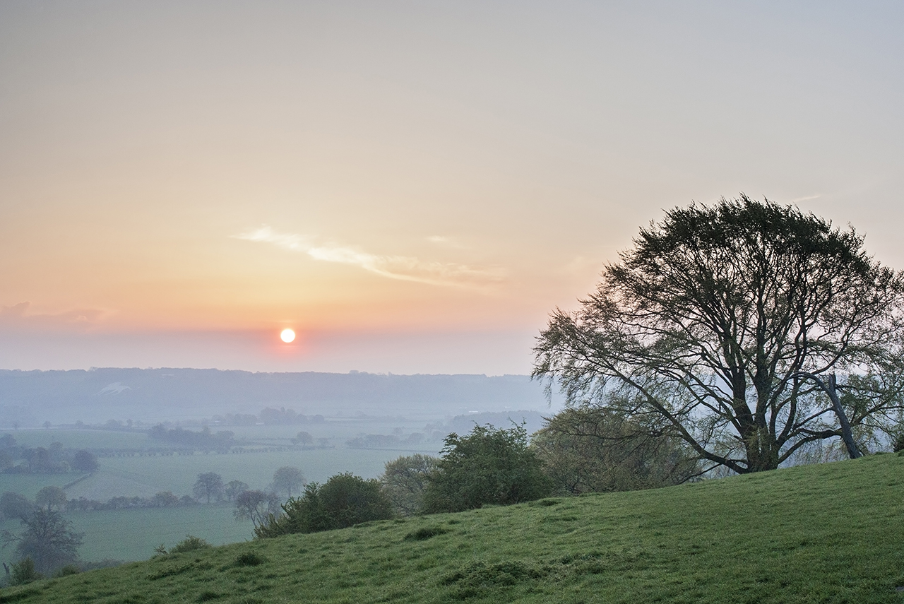 where to go Chilterns ivinghoe beacon sunrise