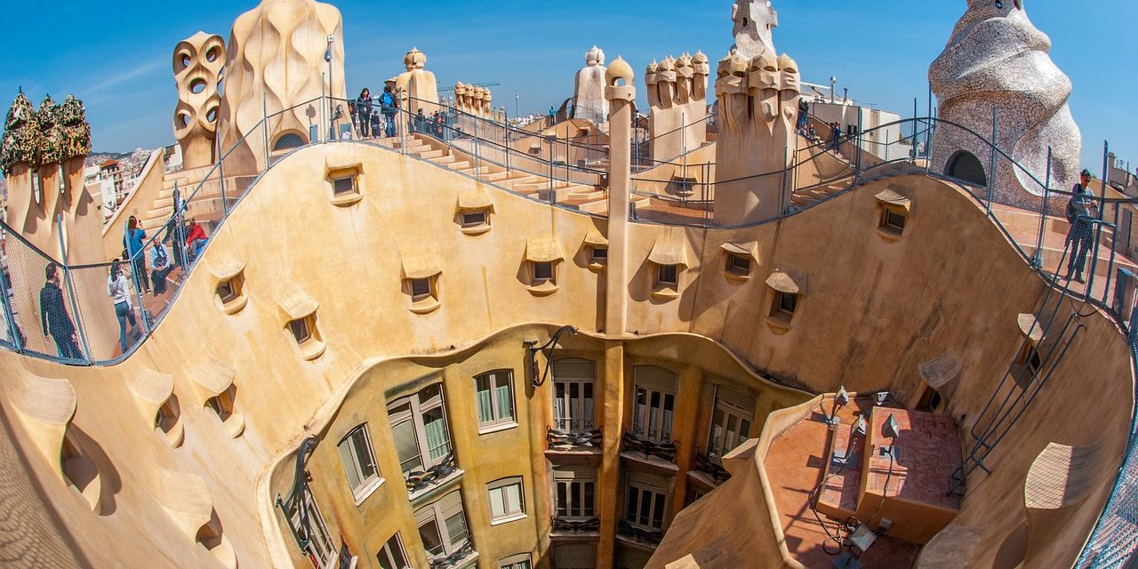 https://travelinspires.org/wp-content/uploads/2019/06/Barcelona-road-trip-1280x640.jpg