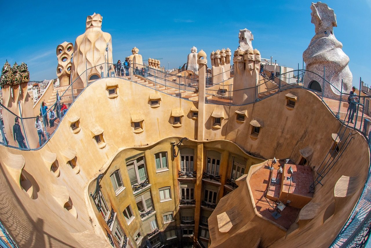 https://travelinspires.org/wp-content/uploads/2019/06/Barcelona-road-trip-1280x856.jpg