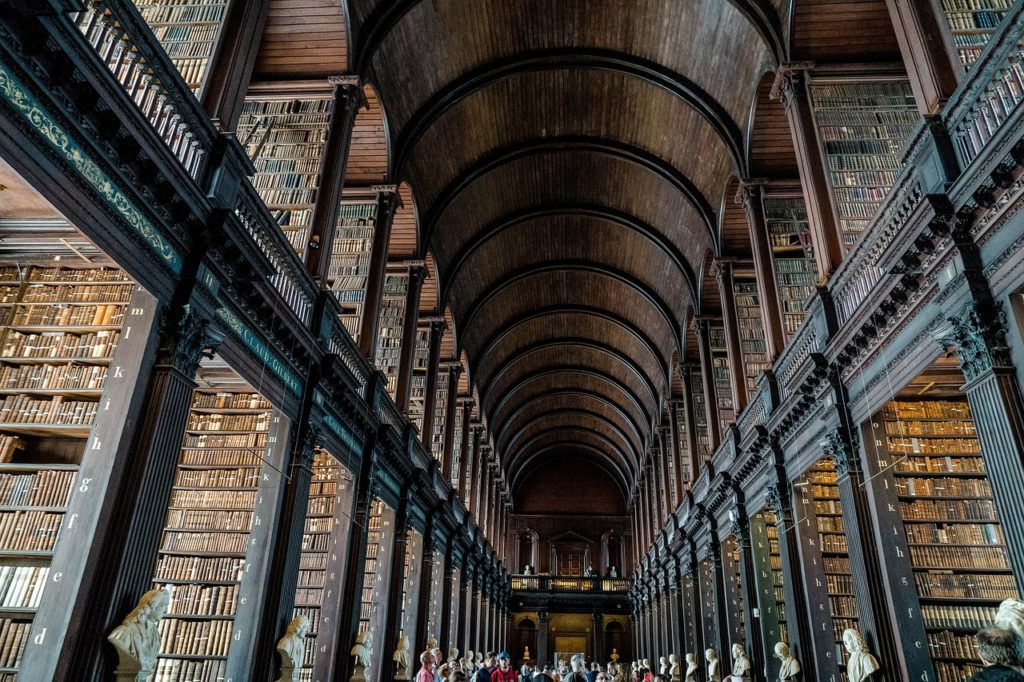 Trinity library Dubln what to see Book of Kells
