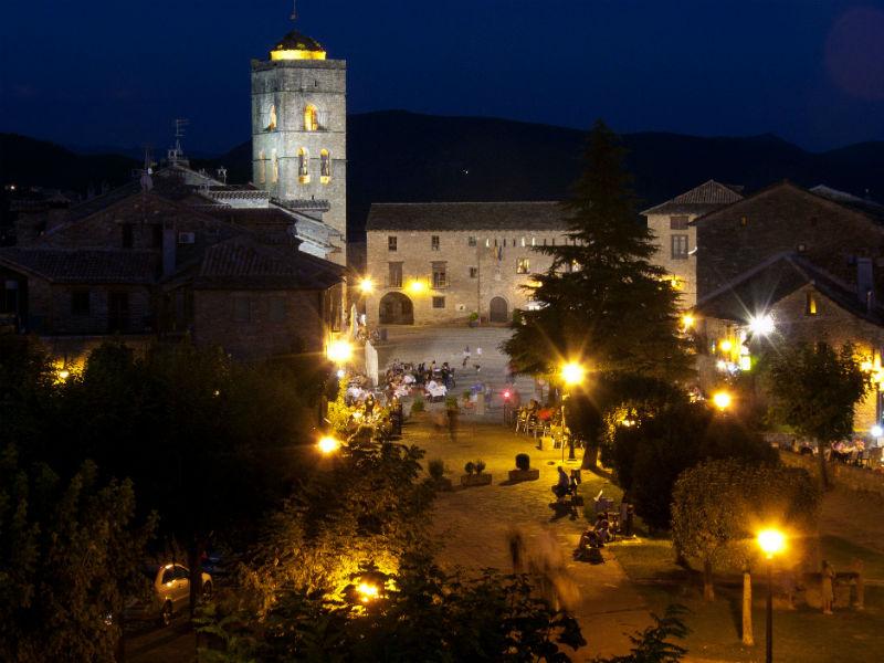 Ainsa beautiful towns Spain-1