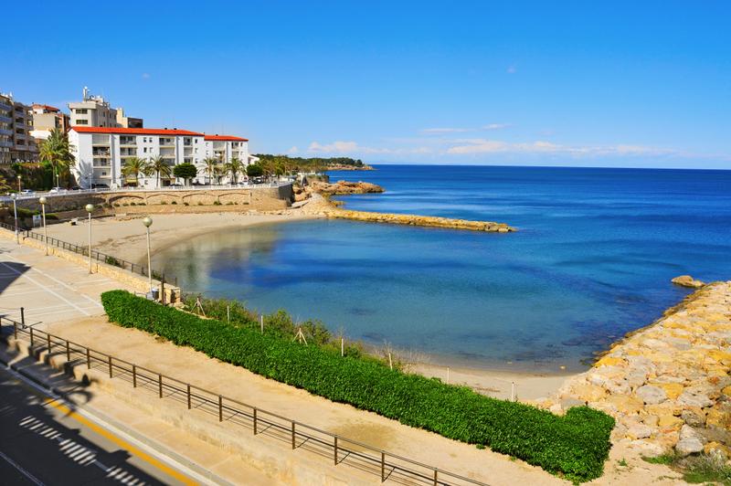 Alguer Beach in Ametlla de Mar