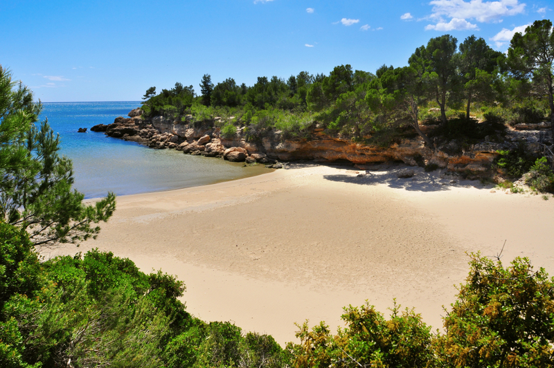 Cala Calafato beach in Ametlla de Mar