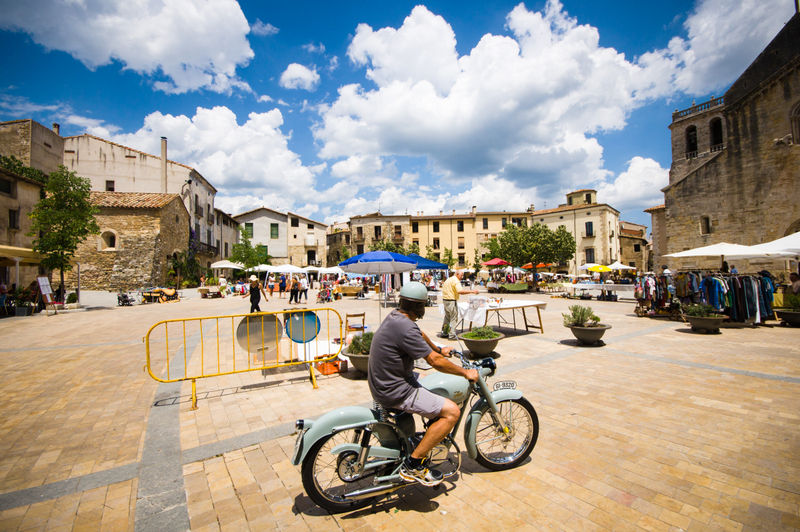 Besalu Square July 2014 ed1
