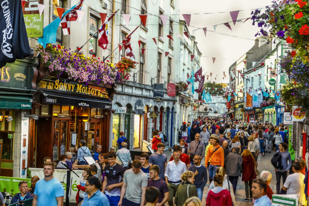 https://travelinspires.org/wp-content/uploads/2019/09/Galway-whiskey-trail-route-1024x683.jpg