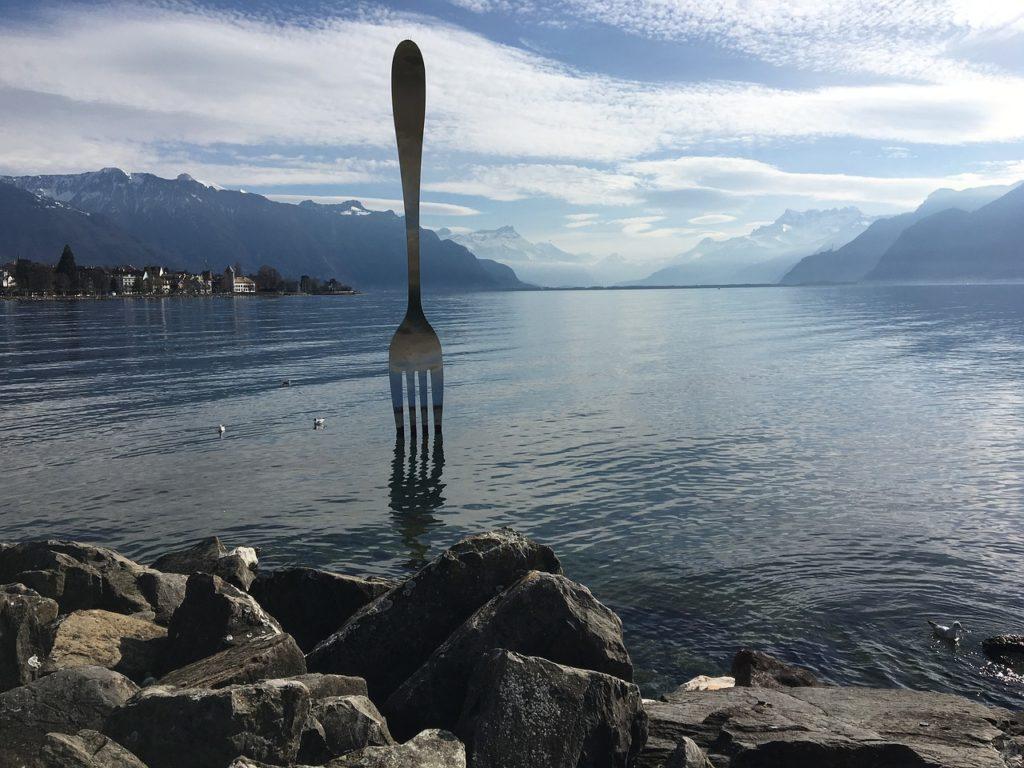 https://travelinspires.org/wp-content/uploads/2019/09/caravan-holidays-france-food-2-1024x768.jpg