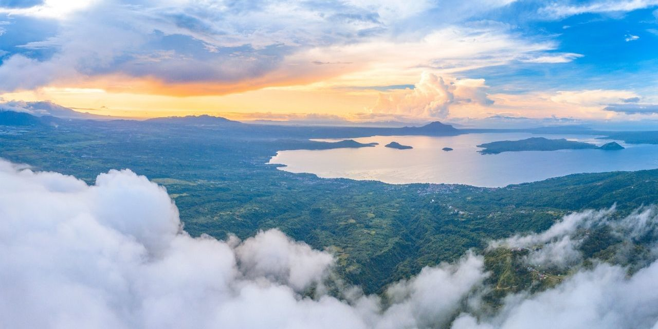 Tagaytay Taal Lake and Volcano