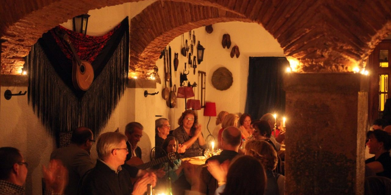 https://travelinspires.org/wp-content/uploads/2020/02/Lisbon-fado-music-Alfama-district-Live-fado-music-in-a-Fado-Restaurant-1280x640.jpg