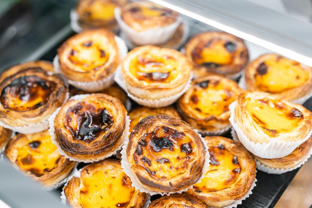Lisbon food to try pasteis de nata