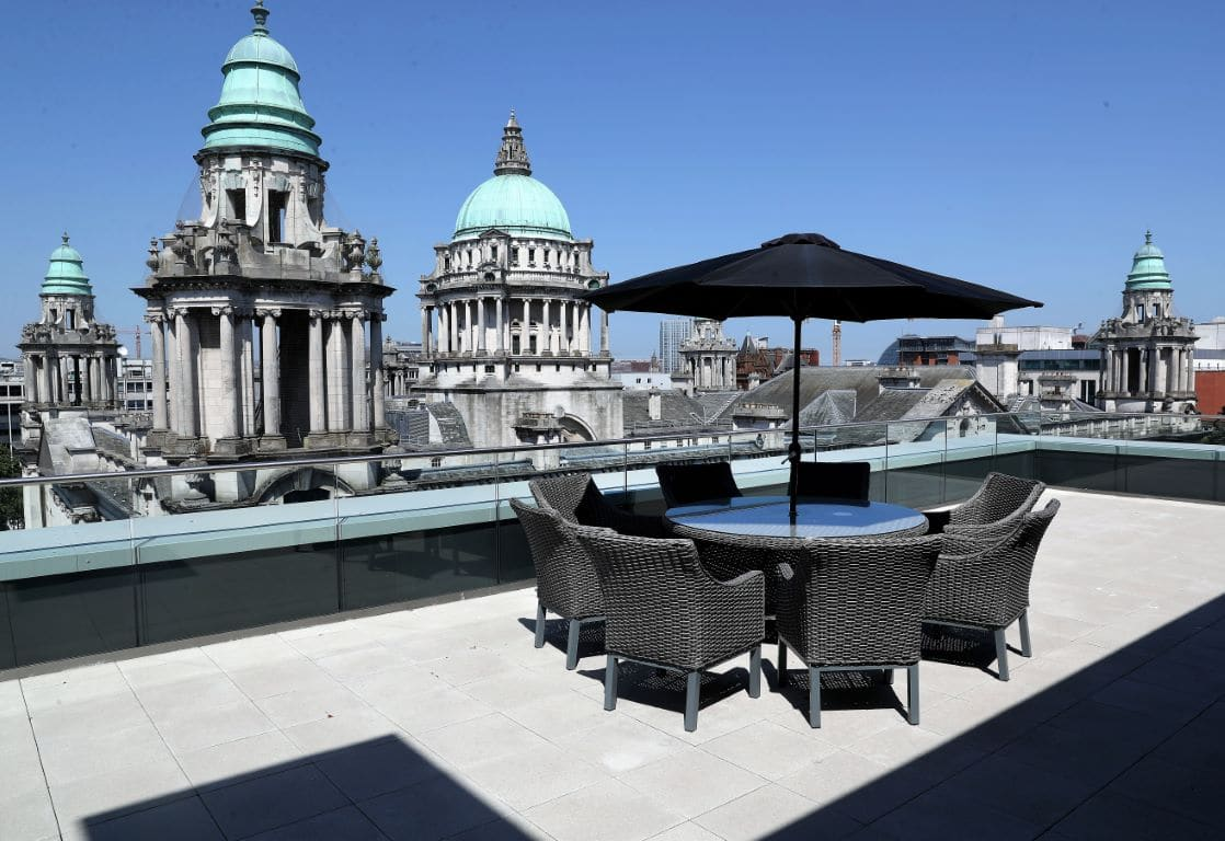 https://travelinspires.org/wp-content/uploads/2020/02/Ten-Square-Hotel-Belfast-roof-terrace-views.jpg