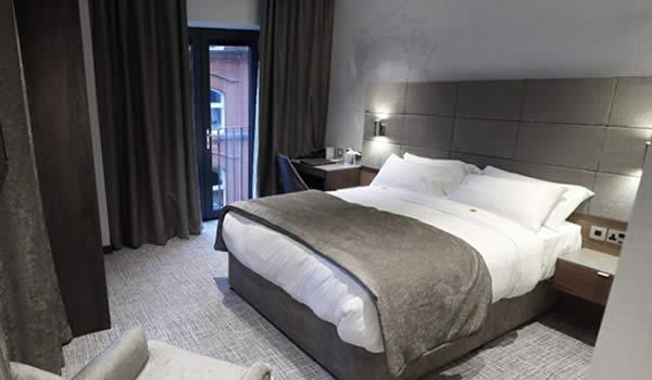 Ten Square Hotel Belfast room