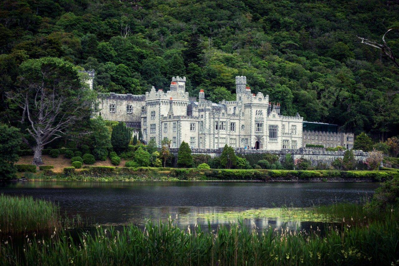 Connemara things to do Kylemore Abbey
