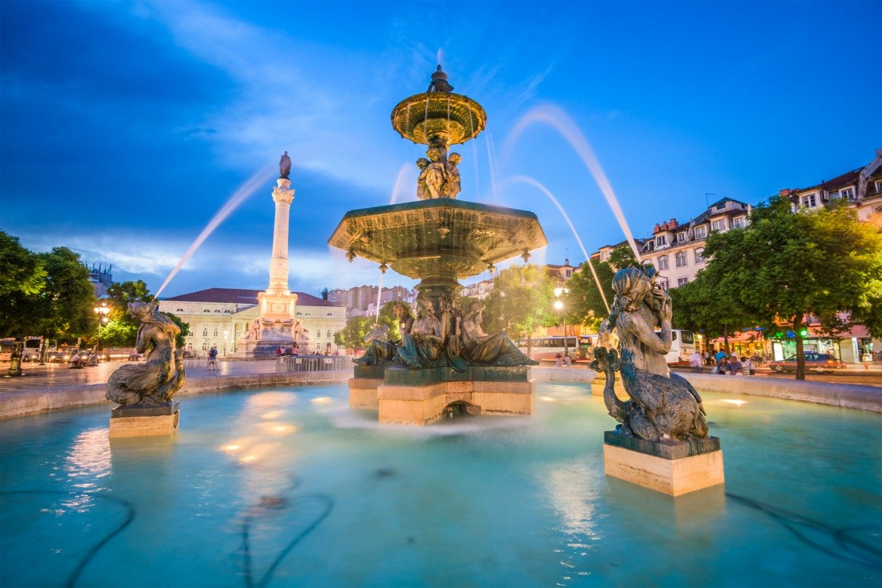 https://travelinspires.org/wp-content/uploads/2020/03/Lisbon-instagramable-places-Rossio-Square-1280x854.jpg