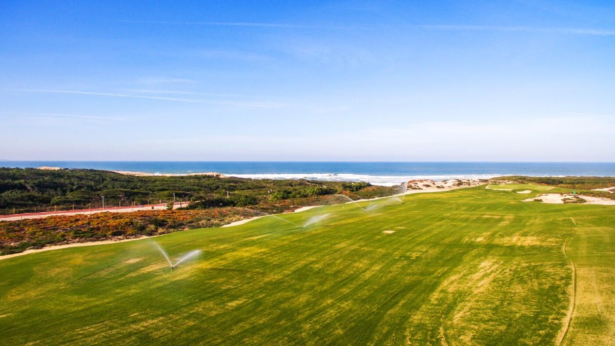 sports tourism Lisbon West Cliffs Golf Course