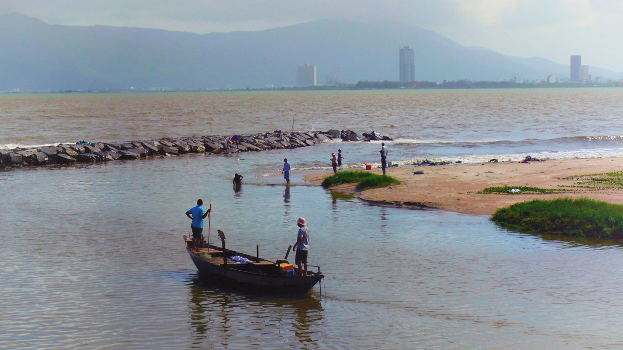 The wave of transformation looms over Da Nang