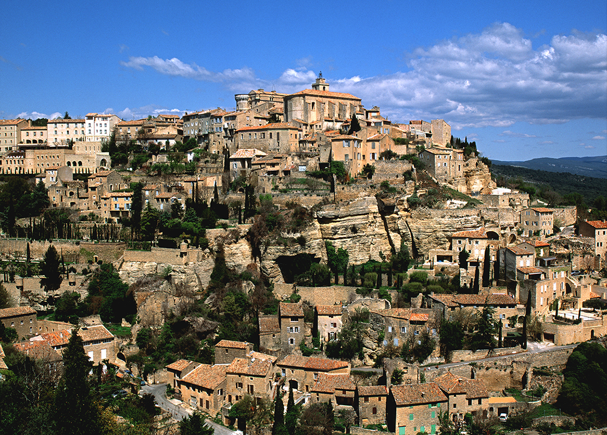 https://travelinspires.org/wp-content/uploads/2020/06/Gordes.14197.jpg