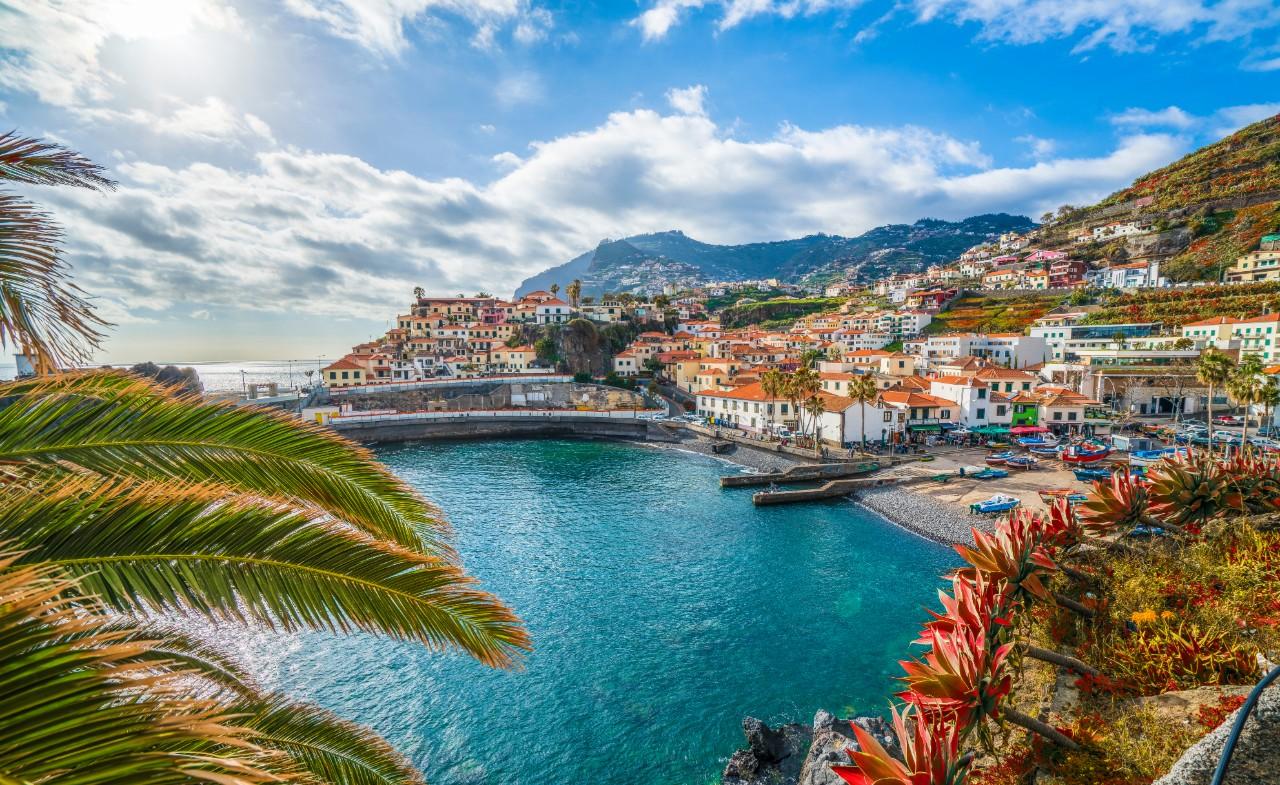 retire to Madeira Portugal