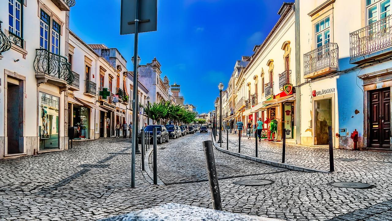 tavira retirement in portugal