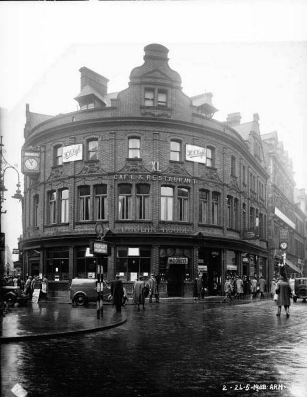 Belfast Henry McDonald Mooney's Pub May 26, 1938.. Photo courtesy of Belfast Live
