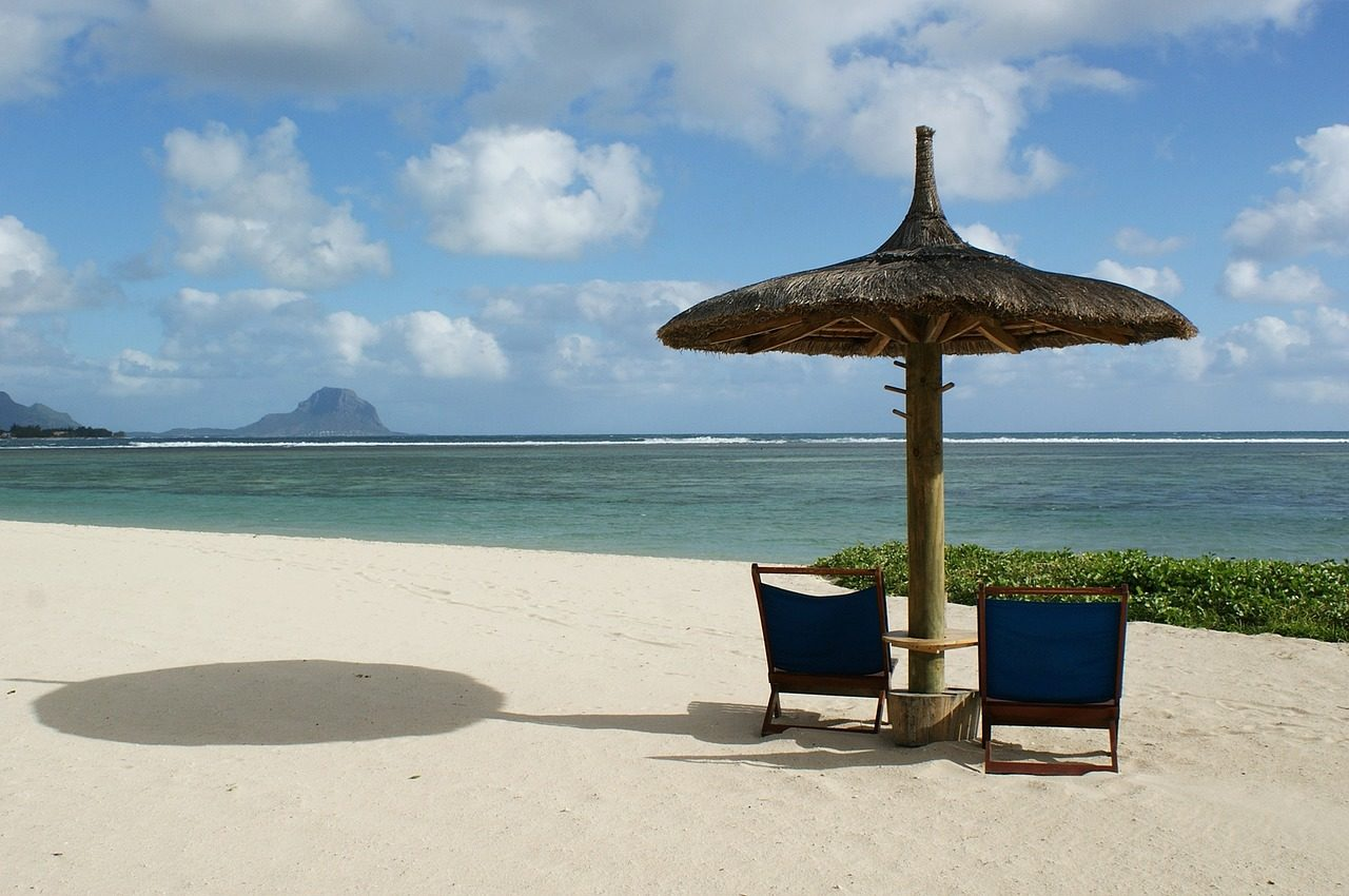 https://travelinspires.org/wp-content/uploads/2020/07/Best-things-to-do-in-Mauritius-on-your-honeymoon-1-1280x850.jpg