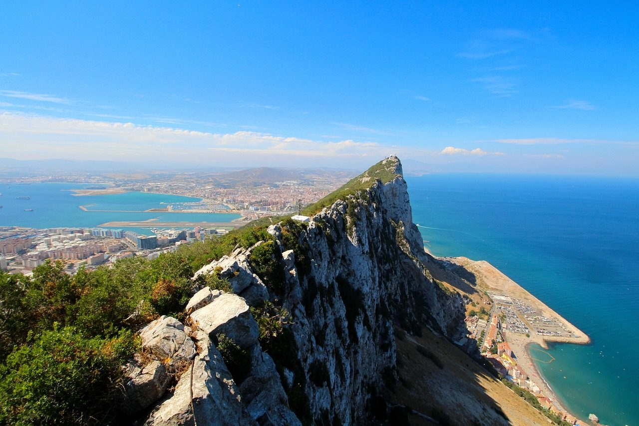 https://travelinspires.org/wp-content/uploads/2020/07/Gibraltar-Spain-Rock-1280x853.jpg