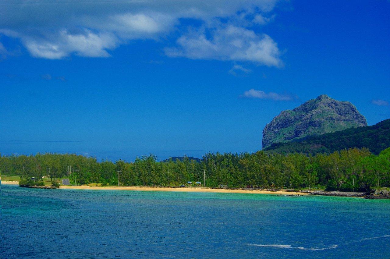 honeymoon in Mauritius Le Morne Brabant