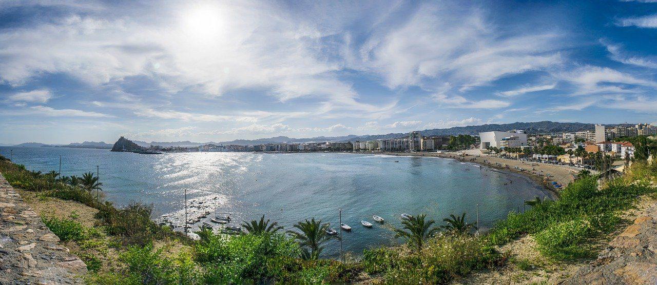 https://travelinspires.org/wp-content/uploads/2020/07/Murcia-metropolis-sea-views-eagles-1280x556.jpg