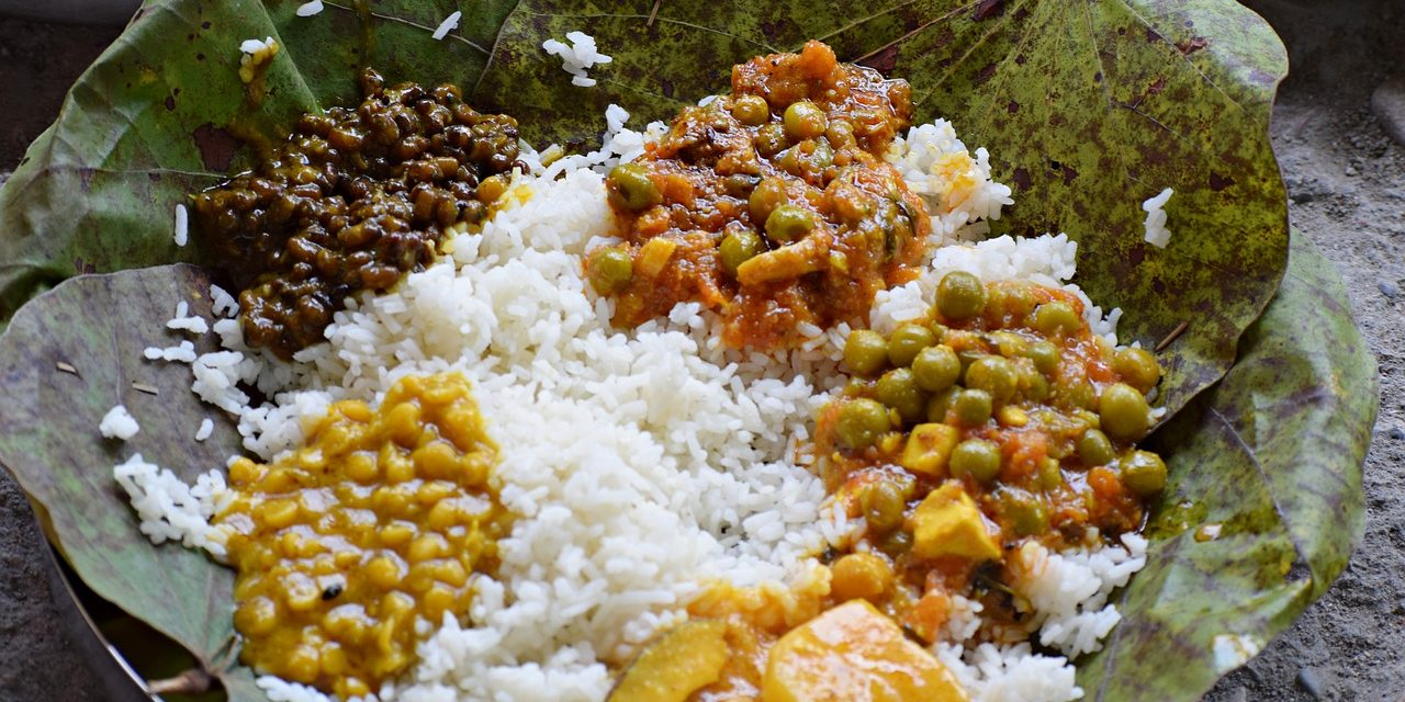https://travelinspires.org/wp-content/uploads/2020/07/best-Indian-vegetarian-dishes-1280x640.jpg
