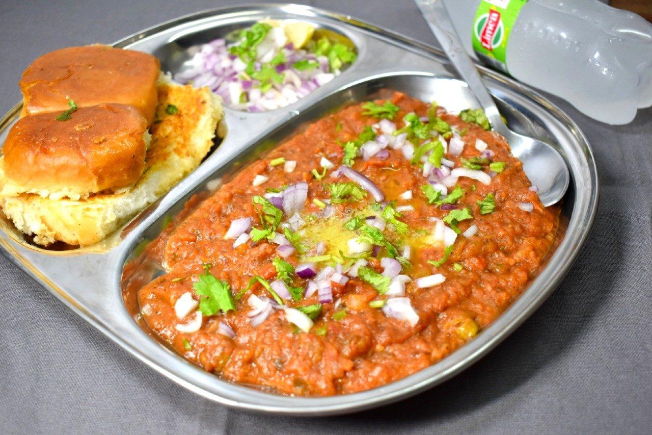 best vegetarian dishes India Pav Bhaji