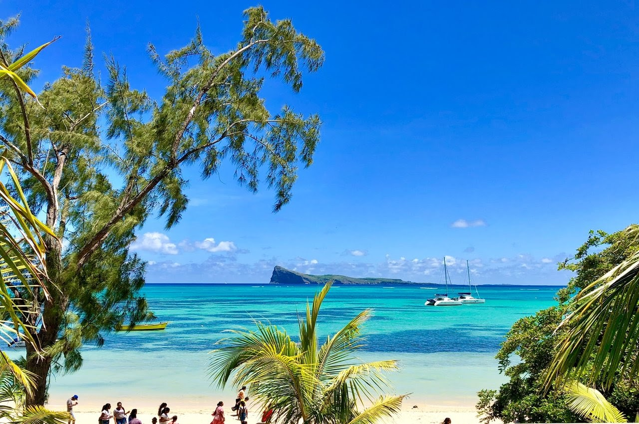 Dive into the blue waters of Mauritius