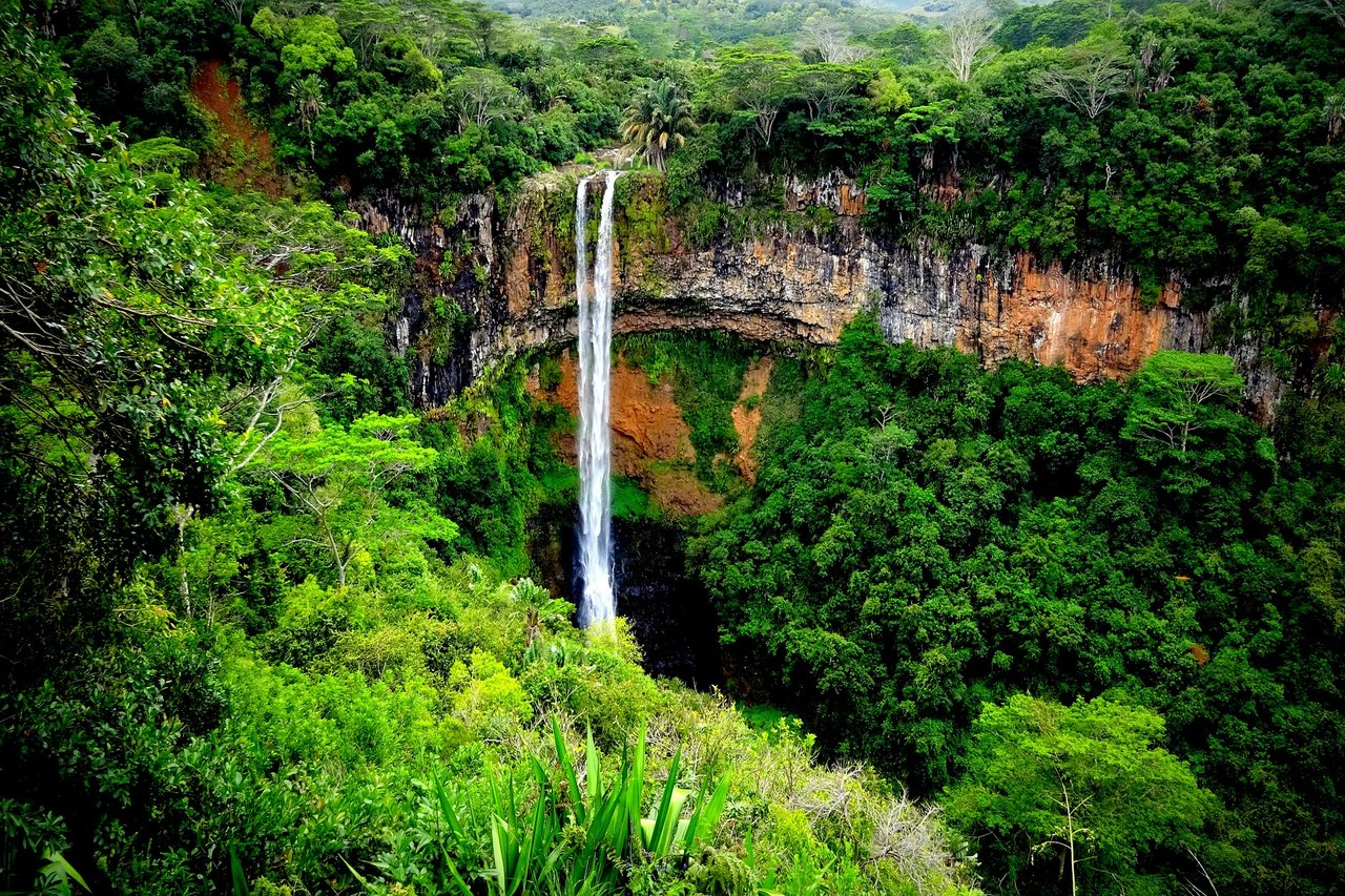 Romantic time at the Chamarel Waterfall