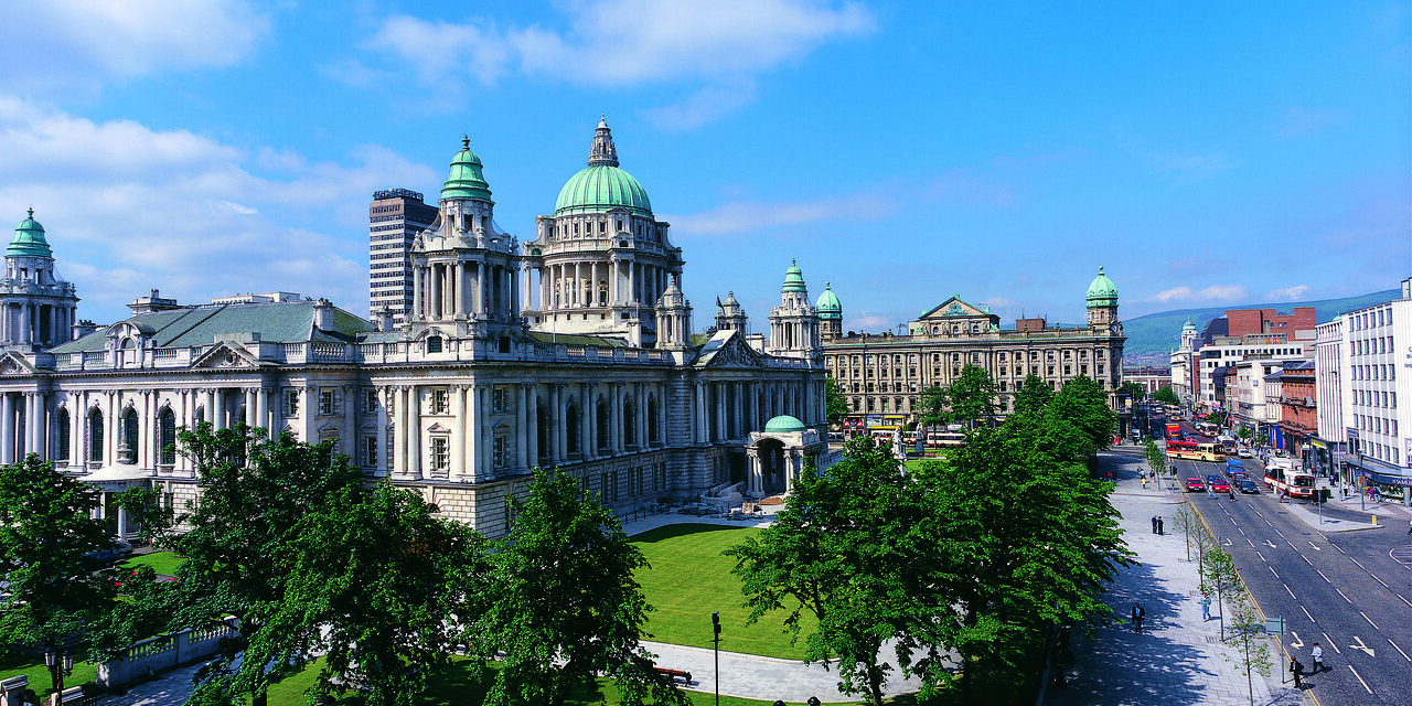 https://travelinspires.org/wp-content/uploads/2020/09/17086_Belfast-City-Hall-1280x640.jpg
