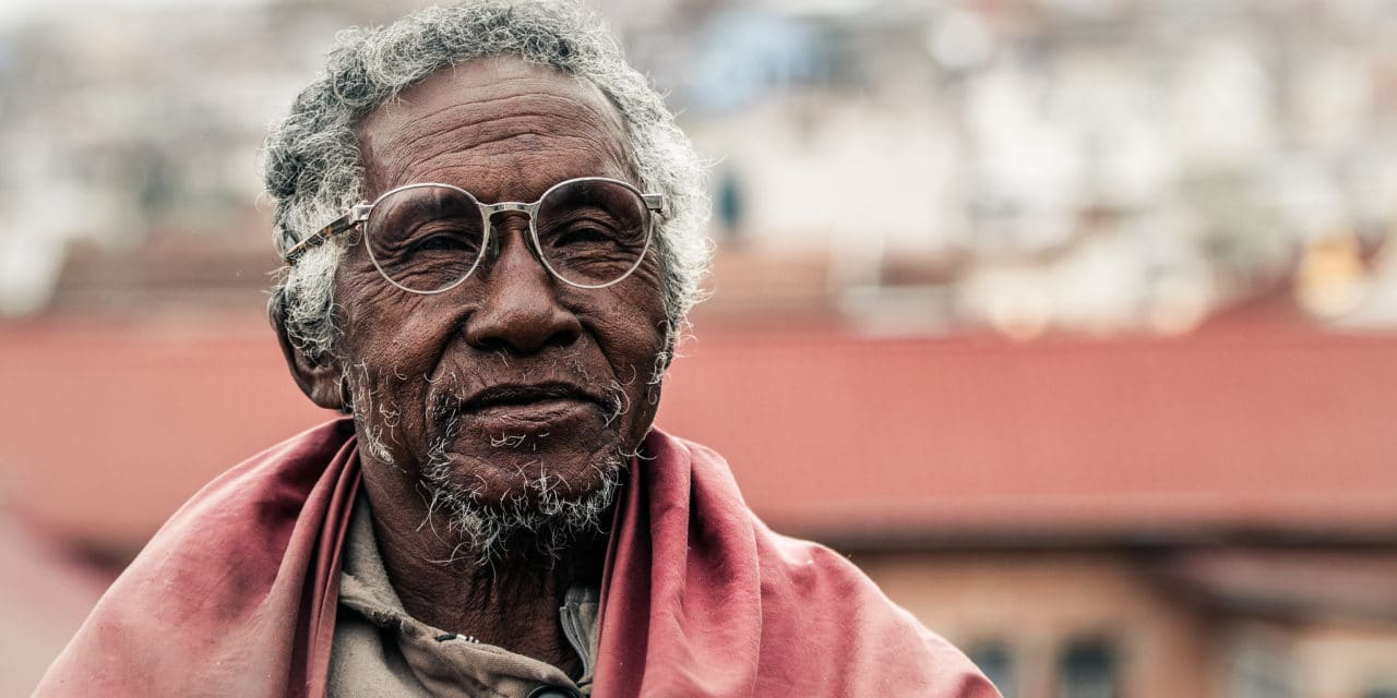 https://travelinspires.org/wp-content/uploads/2020/12/Portrait-of-a-Malagasy-Man-1280x640.jpg
