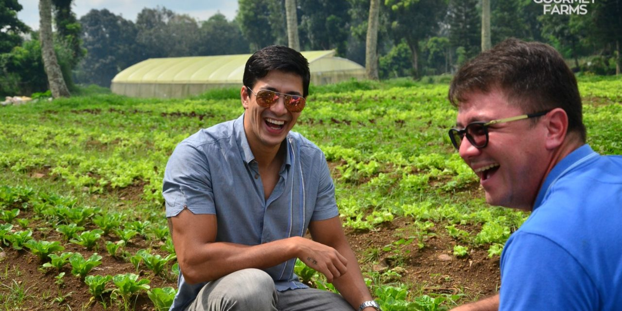 https://travelinspires.org/wp-content/uploads/2021/01/Gourmet-Farms-Tagaytay-guys-in-field-1280x640.jpg